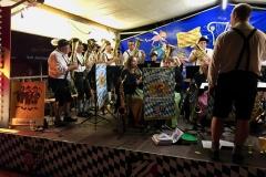 Der Musikverein aus Leidersbach sorgte für ausgelassene Stimmung am Samstagabend
